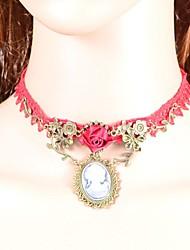 Brautmode reiche Atmosphäre Qualität Blumenspitze Halskette