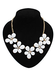 Pure and fresh flower sweet diamond necklace