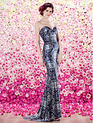TS Couture® Formal Evening Dress Plus Size / Petite Sheath / Column Sweetheart Sweep / Brush Train Sequined with Sequins