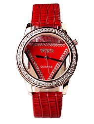 Women's Fashion Small Triangle Dial Designed Circular Dial Crocodile Grain PU Leather Strap Quartz Wrist Watches