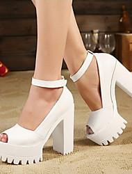Sandálias ( Couro Envernizado/Borracha , Preto/Branco ) Sapatos de Senhora - Salto Massudo - 6-9cm