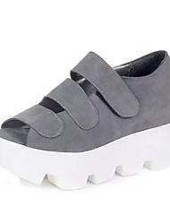 Zapatos de mujer - Tacón Cuña - Punta Abierta - Sandalias - Oficina y Trabajo / Vestido - Semicuero - Negro / Gris