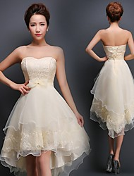Knee-length Chiffon Bridesmaid Dress A-line Strapless with Appliques / Lace