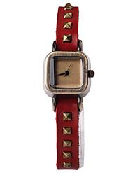Women's Fashion Square Alloy Watch Dial  Rivet PU Leather Strap Quartz Movement Wrist Watches(Assorted Colors)