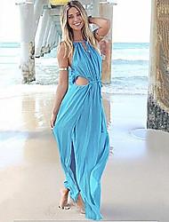 הצוואר הסקסי v של הנשים לשרוך את שמלת חוף א-סימטרית