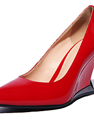 Women's Shoes Patent Leather Wedge Heel Pointed Toe Pumps/Heels Wedding/Dress Black/Red