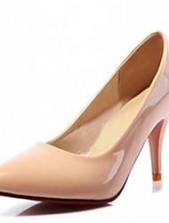 DamenBüro Kleid Lässig-Kunststoff-Kitten Heel-Absatz-Pumps-Schwarz Weiß Beige