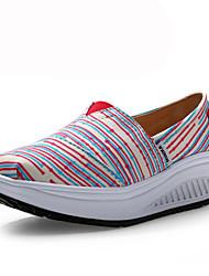 Zapatos de mujer - Tacón Cuña - Cuñas / Zapatos de Cuna - Mocasines - Oficina y Trabajo / Casual - Tela - Rojo