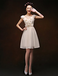 Knee-length Chiffon Bridesmaid Dress - Champagne Sheath/Column V-neck