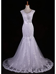 Trumpet / Mermaid Petite / Plus Sizes Wedding Dress Sweep / Brush Train / Floor-length V-neck Lace with