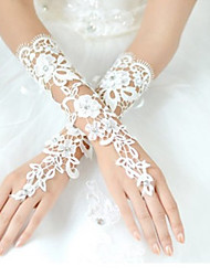 Wrist Length Fingerless Glove Lace Bridal Gloves / Party/ Evening Gloves Spring / Summer / Fall White / Ivory