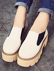 Zapatos de mujer - Plataforma - Plataforma / Comfort / Punta Redonda - Mocasines - Casual - Semicuero - Negro / Beige