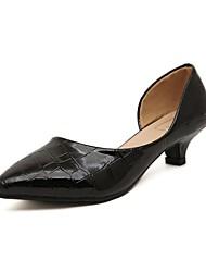 Zapatos de mujer Cuero Patentado Tacón Bajo Comfort/Puntiagudos Planos Oficina y Trabajo/Vestido/Fiesta y Noche Negro/Blanco