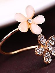 MG Fashion Popular Rhinestone Flower Ring