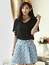 Women's Solid Black Blouse , V Neck Short Sleeve Layered/Ruffle