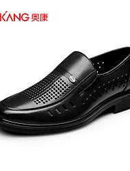 Sapatos Masculinos Oxfords Preto / Marrom Couro Casamento / Ar-Livre / Escritório & Trabalho / Casual / Festas & Noite