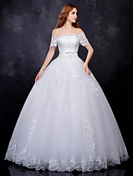 Ball Gown Wedding Dress - Classic & Timeless Vintage Inspired Floor-length Off-the-shoulder Lace / Tulle withAppliques / Beading / Sash /