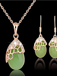May Polly Natural crystal Green Necklace Earrings Set