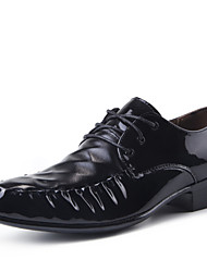 Zapatos de Hombre Oxfords Boda / Oficina y Trabajo / Fiesta y Noche Semicuero Negro / Marrón