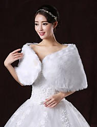 Wedding  Wraps / Fur Wraps Shrugs Sleeveless Faux Fur White Wedding / Party/Evening Bateau Clasp