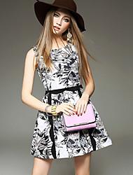 여성의 꽃패턴 드레스 라운드 넥 민소매 무릎 위 면혼방