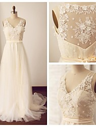 A-line Wedding Dress - Champagne Sweep/Brush Train V-neck Lace / Tulle