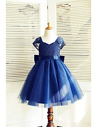 A-line Knee-length Flower Girl Dress - Lace / Tulle Short Sleeve