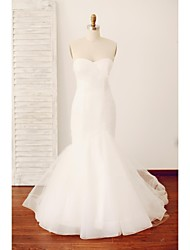 Trumpet / Mermaid Wedding Dress Vintage Inspired Sweep / Brush Train Sweetheart Tulle with Button Criss-Cross