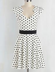 여성의 주름장식 드레스 스윗하트 짧은 소매 무릎 위 면