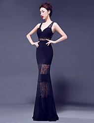 Formal Evening Dress - Ruby / Royal Blue / Dark Navy Trumpet/Mermaid V-neck Floor-length Lace / Jersey
