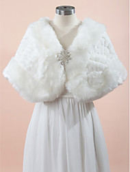Wedding  Wraps Capes Sleeveless Faux Fur White Wedding / Party/Evening Rhinestone Clasp