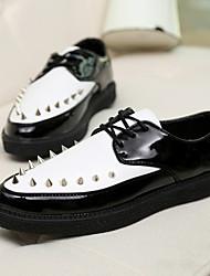 Sapatos Masculinos Oxfords Preto / Marrom / Vermelho / Branco Couro Envernizado Casual