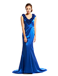 Formal Evening Dress Trumpet / Mermaid V-neck Court Train Charmeuse with Flower(s)