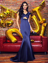 TS Couture Prom Formal Evening Dress - Sexy Trumpet / Mermaid V-neck Sweep / Brush Train Satin with Pleats