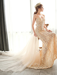 Trumpet / Mermaid Wedding Dress Wedding Dresses in Color Court Train Strapless Lace / Organza with Crystal / Lace