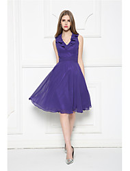 Knee-length Chiffon Bridesmaid Dress - A-line V-neck with Ruffles / Sash / Ribbon / Side Draping