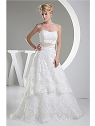Sheath/Column Wedding Dress-Chapel Train Strapless Lace / Satin