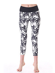 Yokaland Classic Fit  Three Quarter Yoga Capri With Palm Tree Print