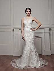 Trumpet/Mermaid Wedding Dress-Court Train V-neck Satin / Tulle