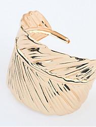 Femme Manchettes Bracelets Alliage Bijoux de déclaration Or Argent Bijoux 1pc