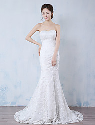 Trumpet / Mermaid Wedding Dress Floral Lace Sweep / Brush Train Strapless Lace with Lace