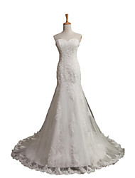 A-line Wedding Dress Chapel Train Sweetheart Tulle with Appliques / Beading