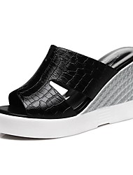 Women's Shoes Synthetic Wedge Heel Peep Toe / Slippers Sandals Office & Career / Dress / Casual Black / White