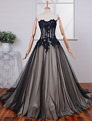 Formal Evening Dress A-line Sweetheart Sweep / Brush Train Lace / Tulle with Appliques / Lace