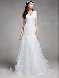 Lanting Bride® Fit & Flare Wedding Dress Chapel Train V-neck Tulle with Criss-Cross