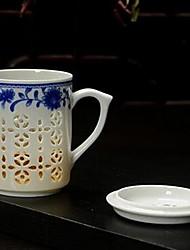 vidro azul e branco e requintado escavar copos de chá de escritório