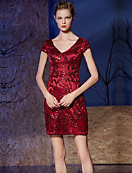 Cocktail Party Dress Sheath / Column V-neck Short / Mini Lace / Charmeuse with Embroidery / Sequins
