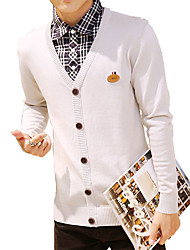 In the autumn of 2016 new men's V neck knit cardigan sweater coat color thin Korean male cotton tide