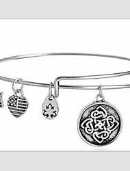 Friendship Knot Pendant Bracelet