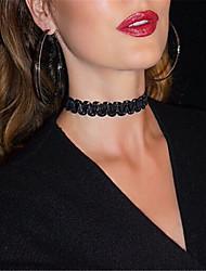 Colliers Tendance Collier court /Ras-du-cou Bijoux Soirée / Quotidien / Décontracté Mode Velours Noir / Blanc 1pc Cadeau
